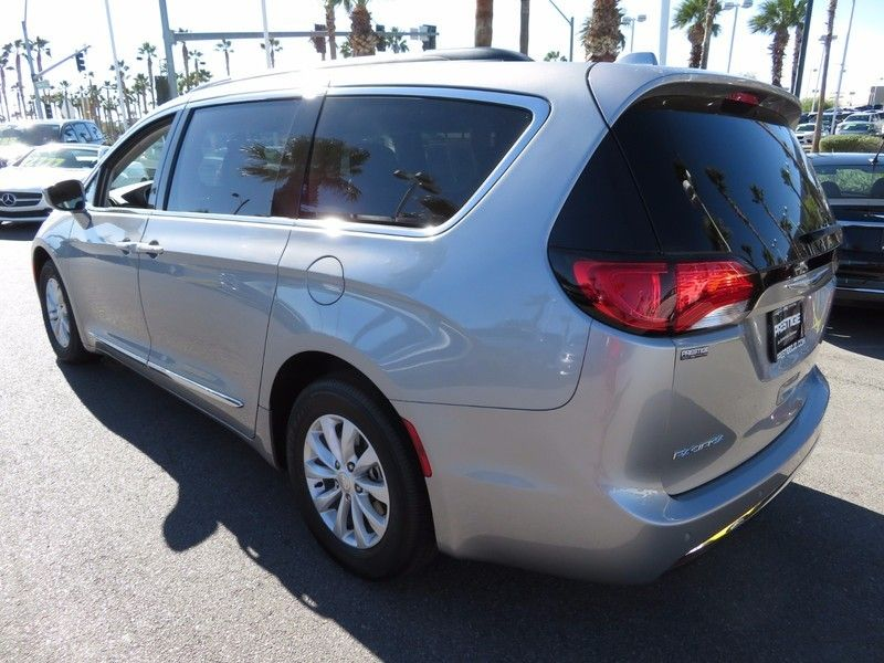 2017 Chrysler Pacifica TOURL - 16735588 - 6