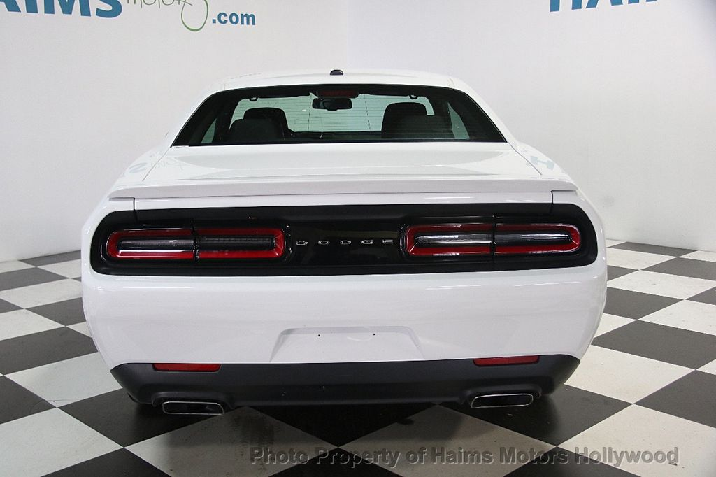 2017 Dodge Challenger R/T Coupe - 17006126 - 5