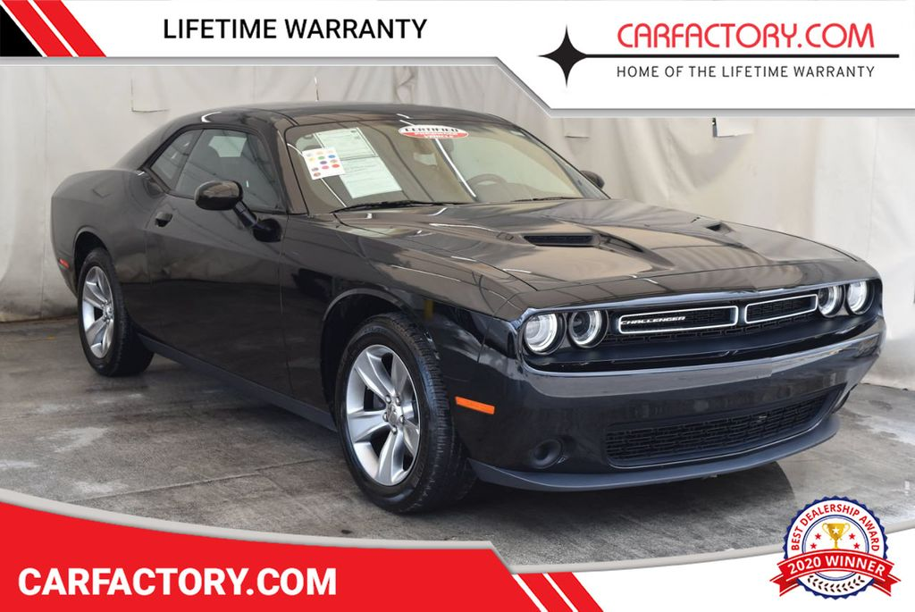 2017 Dodge Challenger SXT Coupe - 17958534 - 0