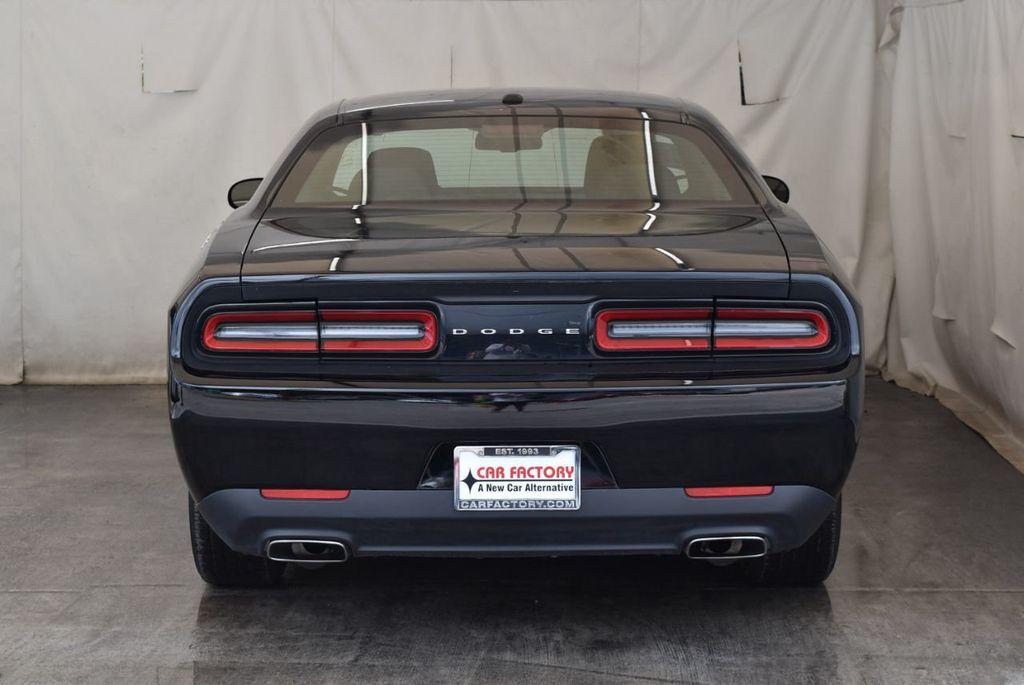 2017 Dodge Challenger SXT Coupe - 17958534 - 7
