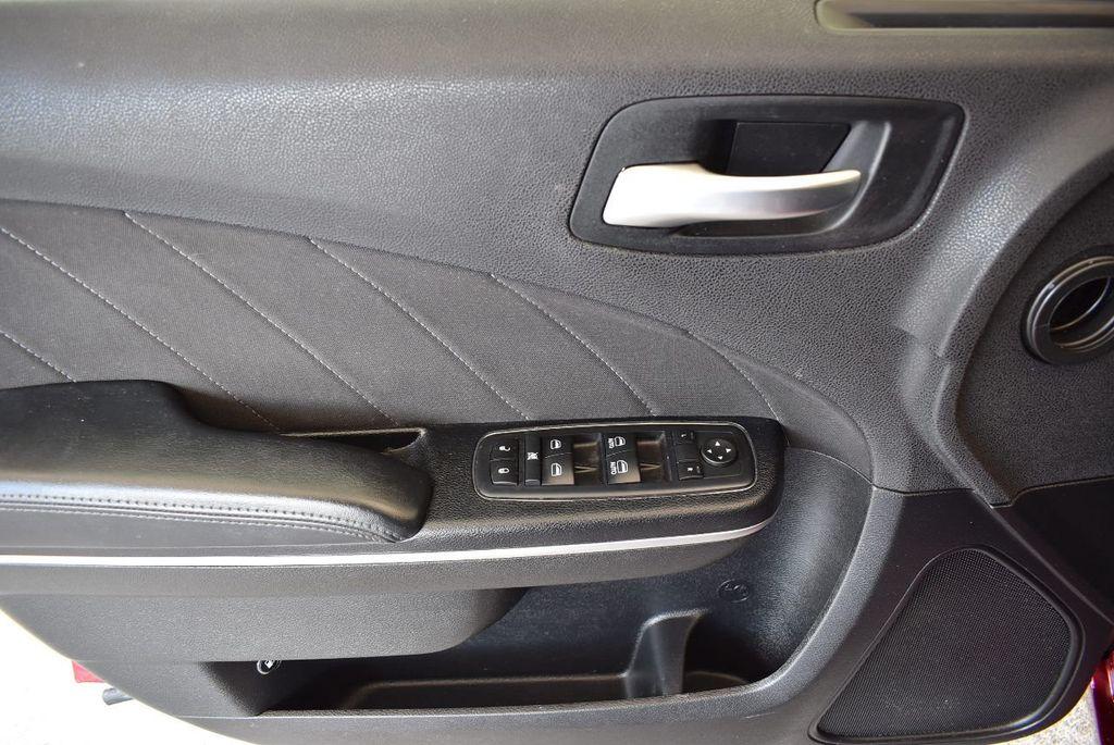 2017 Dodge Charger SXT RWD - 17875149 - 15