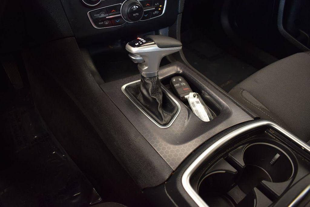2017 Dodge Charger SXT RWD - 17875149 - 22