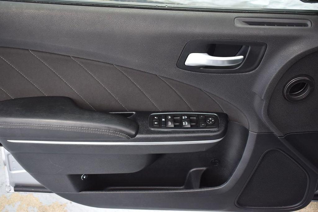 2017 Dodge Charger SXT RWD - 18387253 - 13