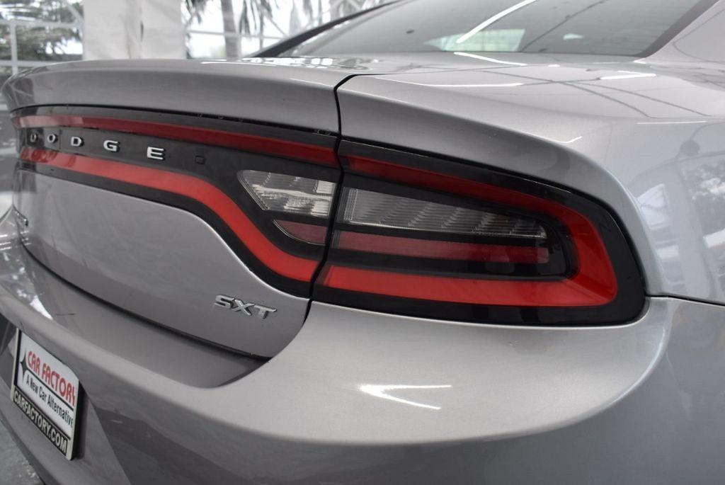 2017 Dodge Charger SXT RWD - 18387253 - 1