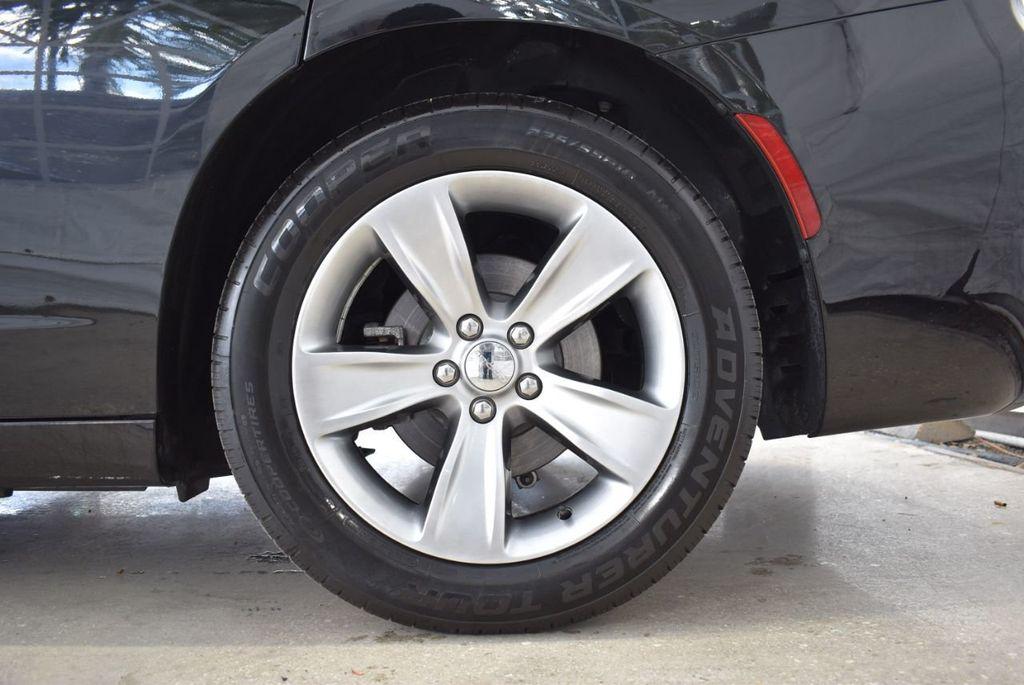 2017 Dodge Charger SXT RWD - 18497647 - 11