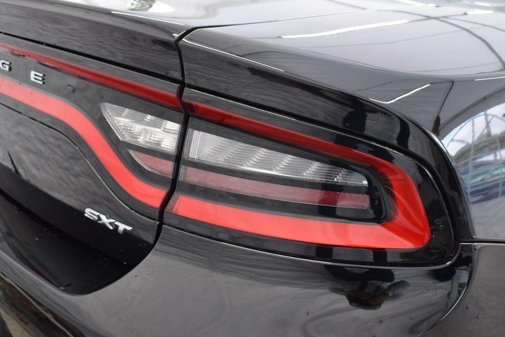 2017 Dodge Charger SXT RWD - 18497647 - 1