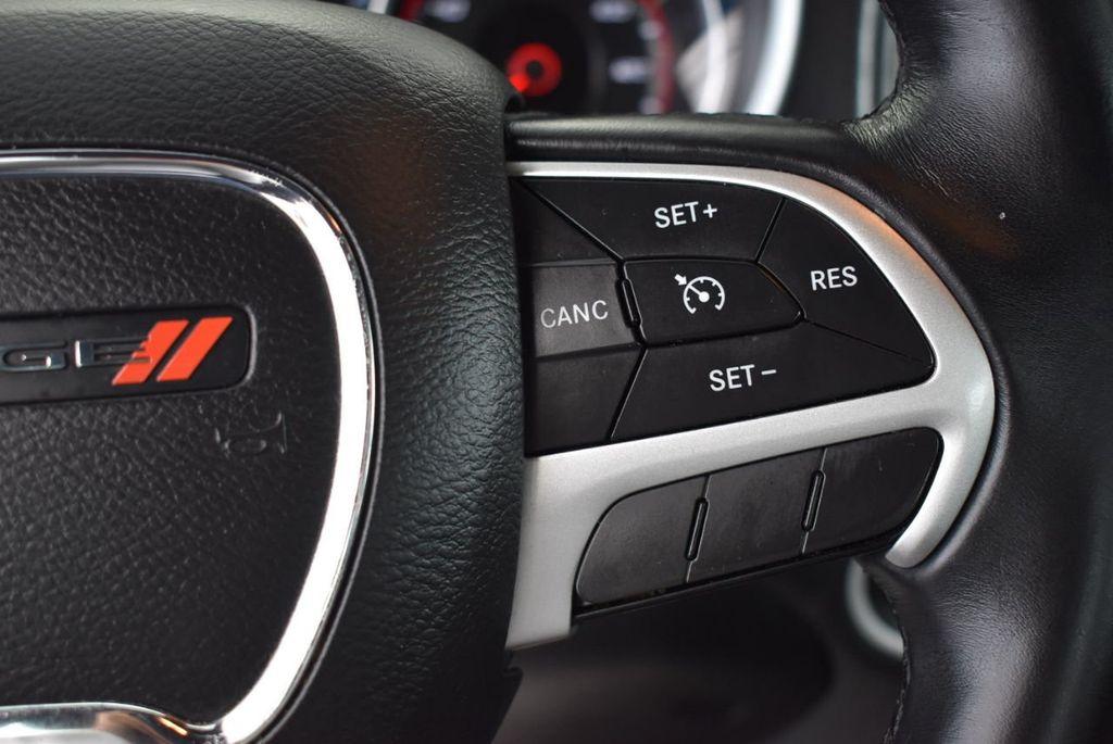 2017 Dodge Charger SXT RWD - 18497647 - 19