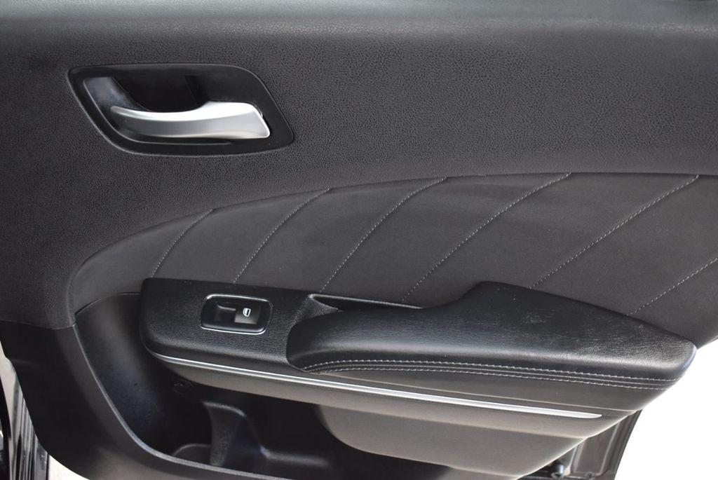 2017 Dodge Charger SXT RWD - 18497647 - 24