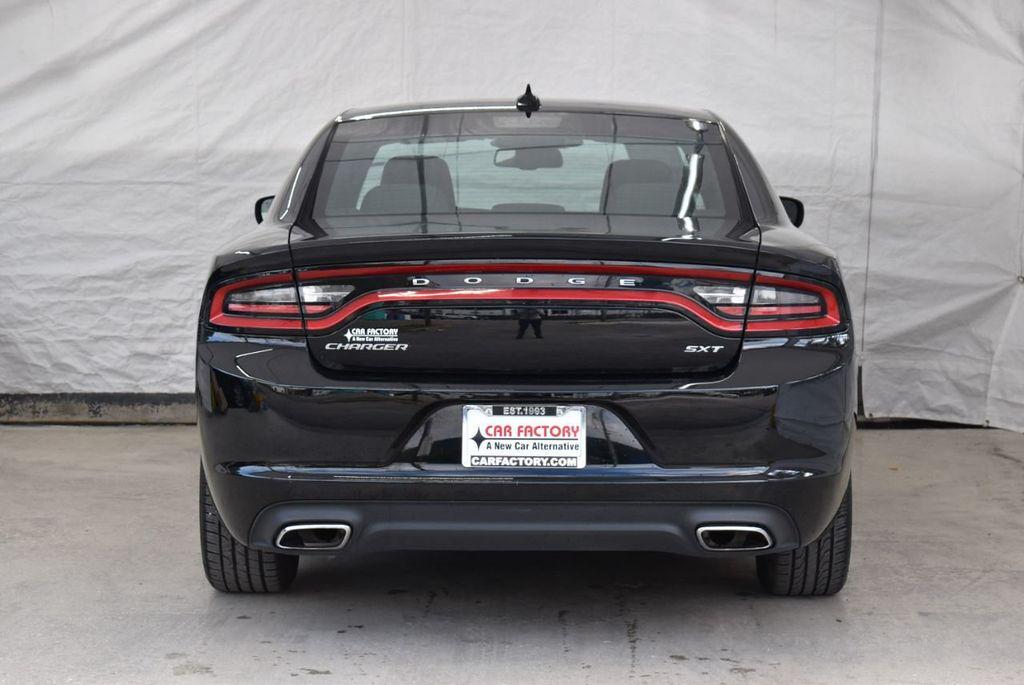 2017 Dodge Charger SXT RWD - 18497647 - 8