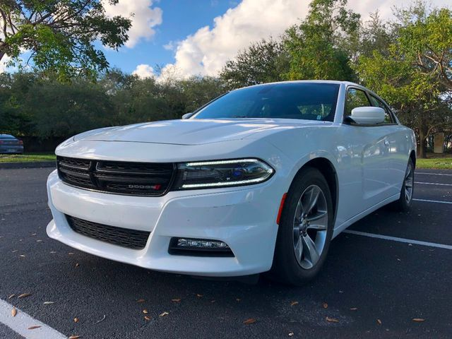 2017 Dodge Charger SXT RWD - Click to see full-size photo viewer