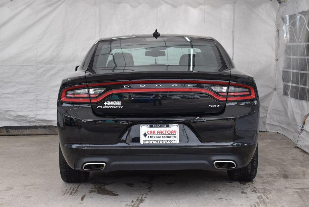 2017 Dodge Charger SXT RWD - 18571144 - 5