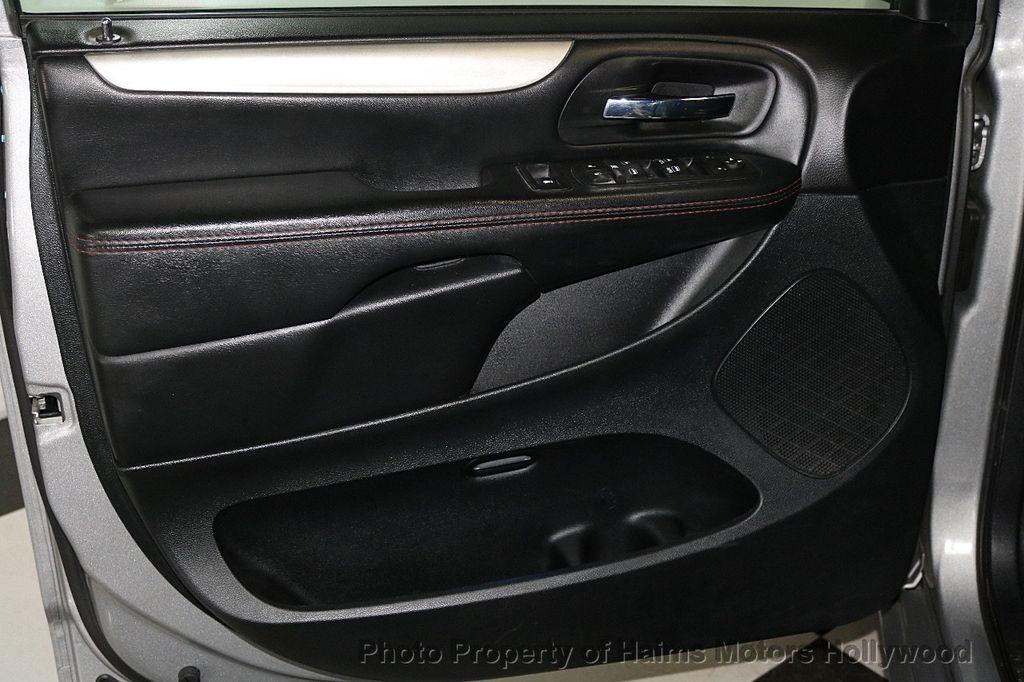 2017 Dodge Grand Caravan GT Wagon - 17536474 - 12