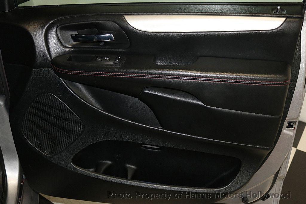 2017 Dodge Grand Caravan GT Wagon - 17536474 - 15