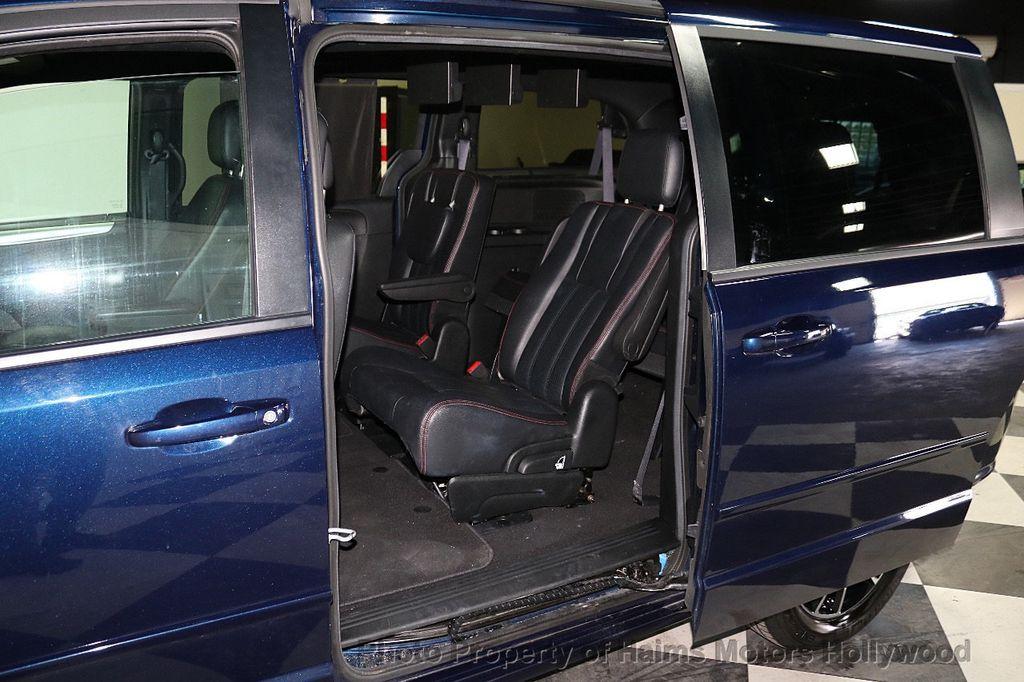 2017 Dodge Grand Caravan GT Wagon - 18112618 - 12