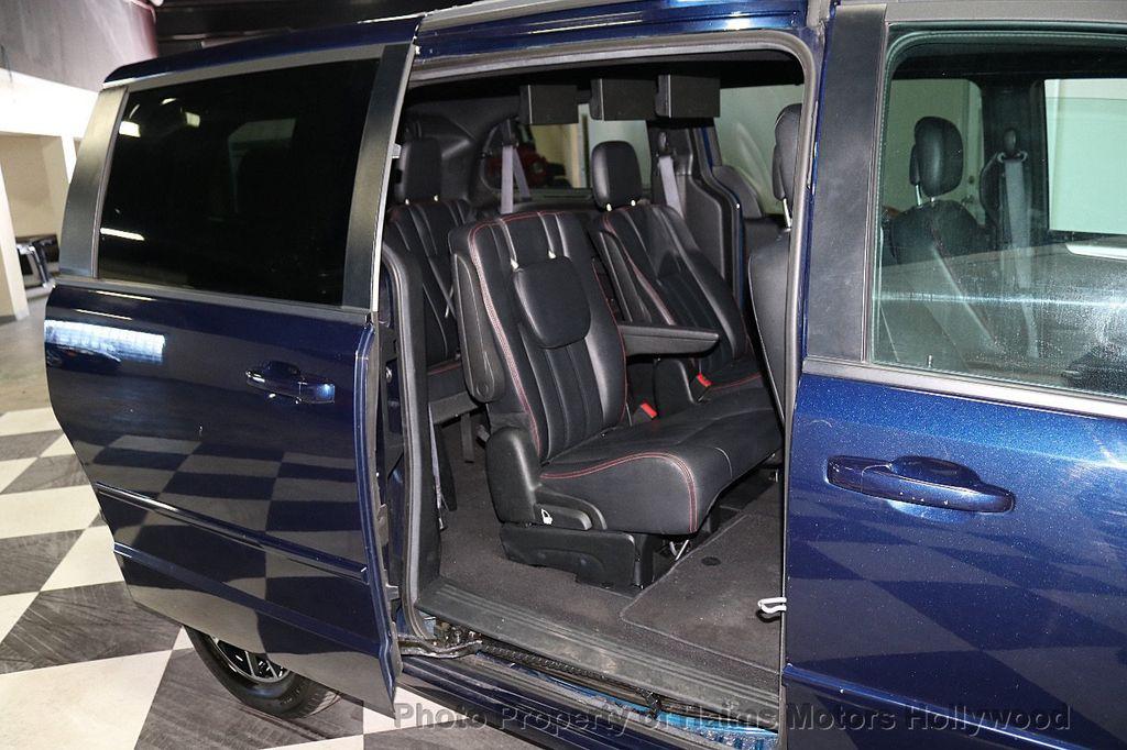 2017 Dodge Grand Caravan GT Wagon - 18112618 - 13