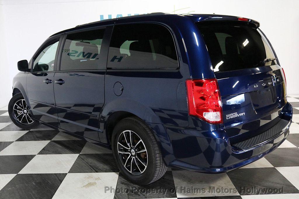 2017 Dodge Grand Caravan GT Wagon - 18112618 - 4