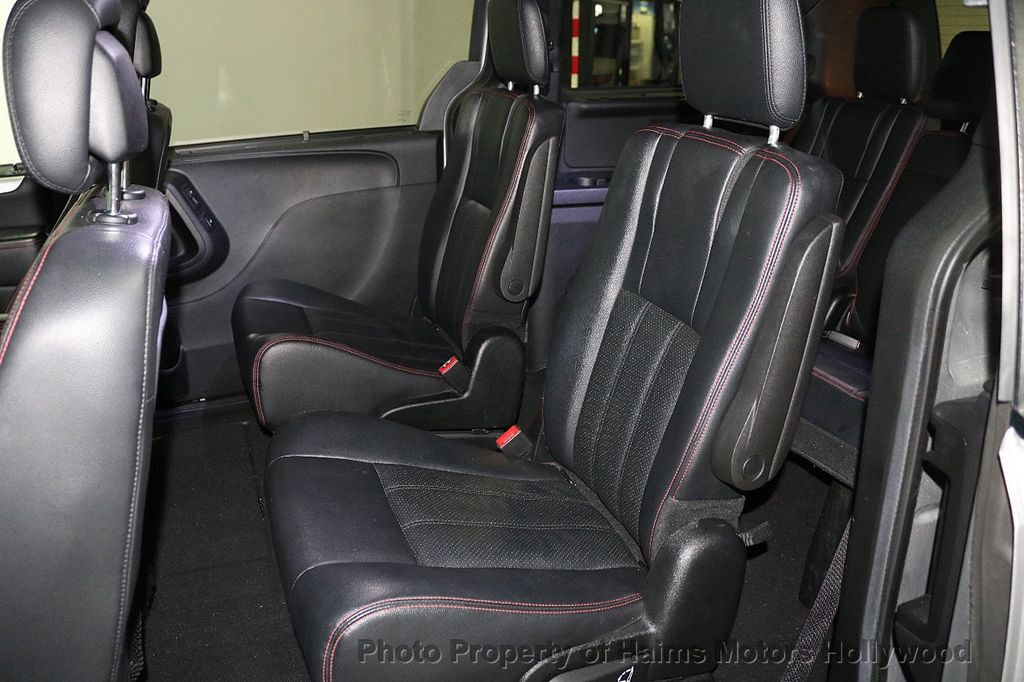 2017 Dodge Grand Caravan GT Wagon - 18512819 - 19