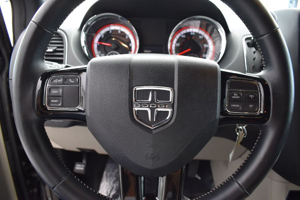 2017 Dodge Grand Caravan SXT Wagon - 18592302 - 12