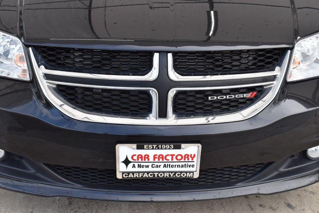 2017 Dodge Grand Caravan SXT Wagon - 18592302 - 2