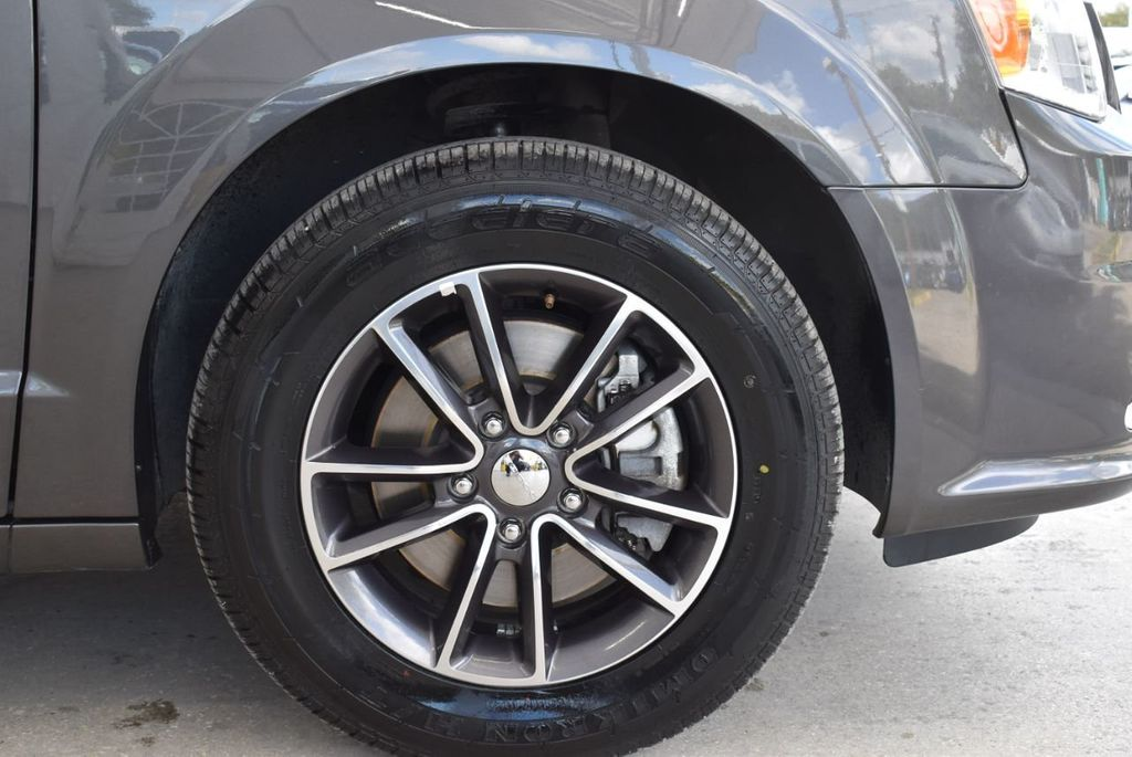 2017 Dodge Grand Caravan SXT Wagon - 18592303 - 9