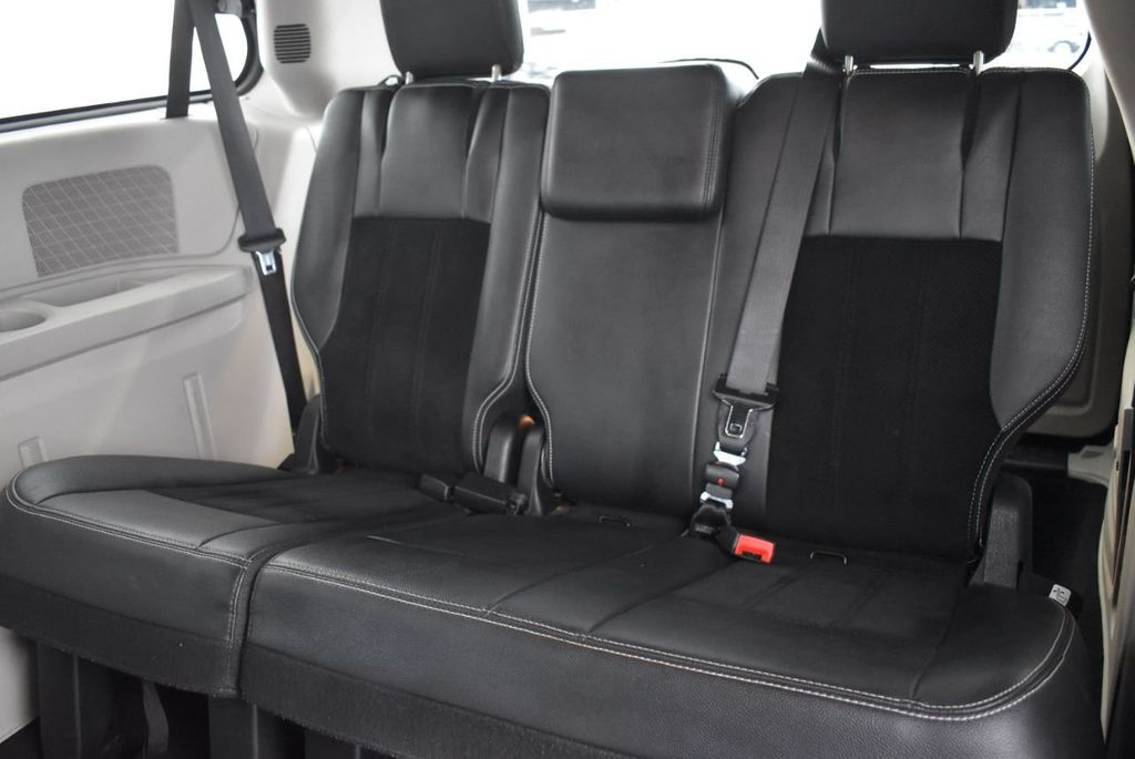 2017 Dodge Grand Caravan SXT Wagon - 18592303 - 10