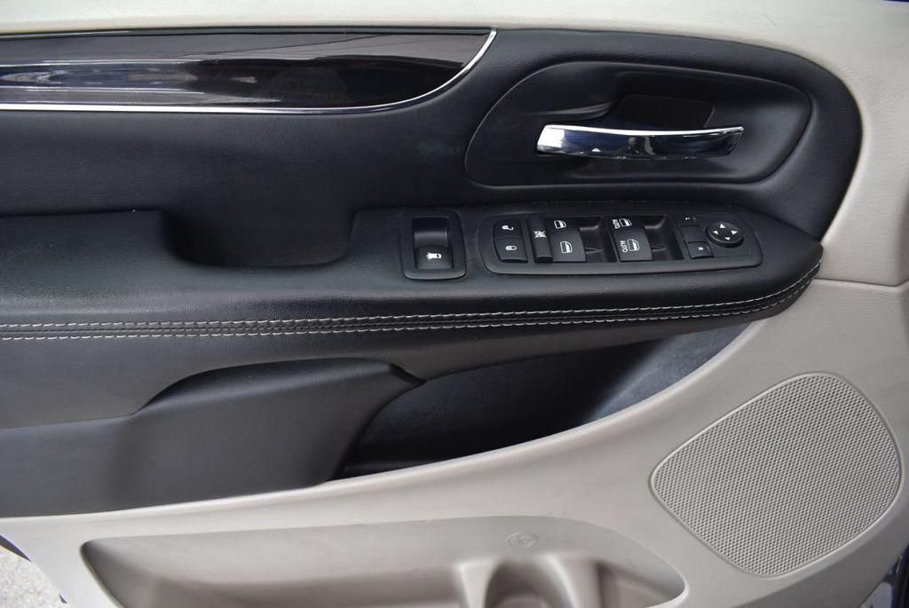 2017 Dodge Grand Caravan SXT Wagon - 18592303 - 13