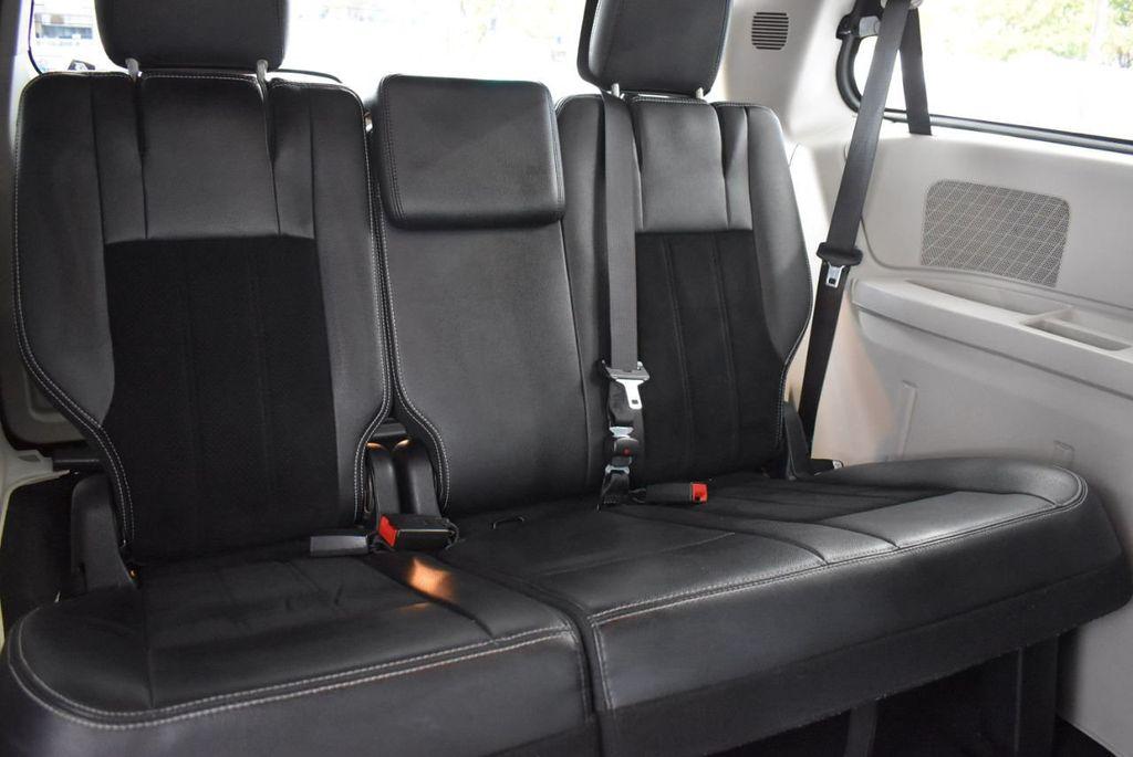 2017 Dodge Grand Caravan SXT Wagon - 18592303 - 14