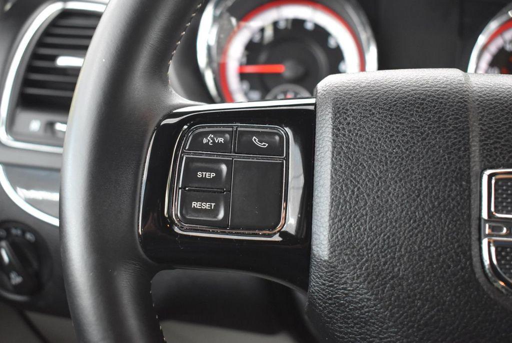 2017 Dodge Grand Caravan SXT Wagon - 18592303 - 21