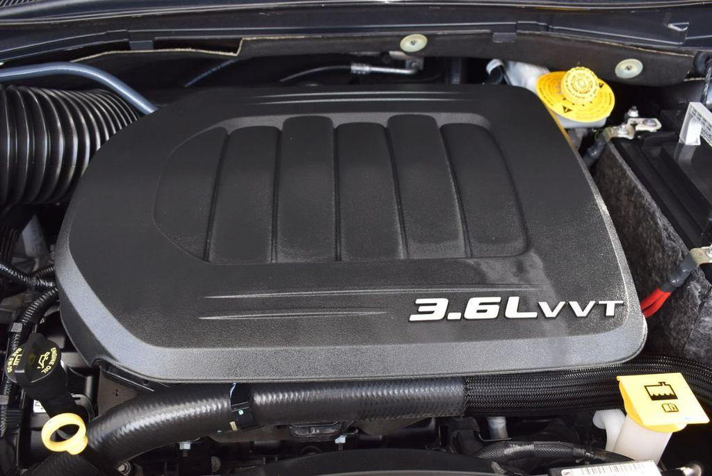 2017 Dodge Grand Caravan SXT Wagon - 18592303 - 23