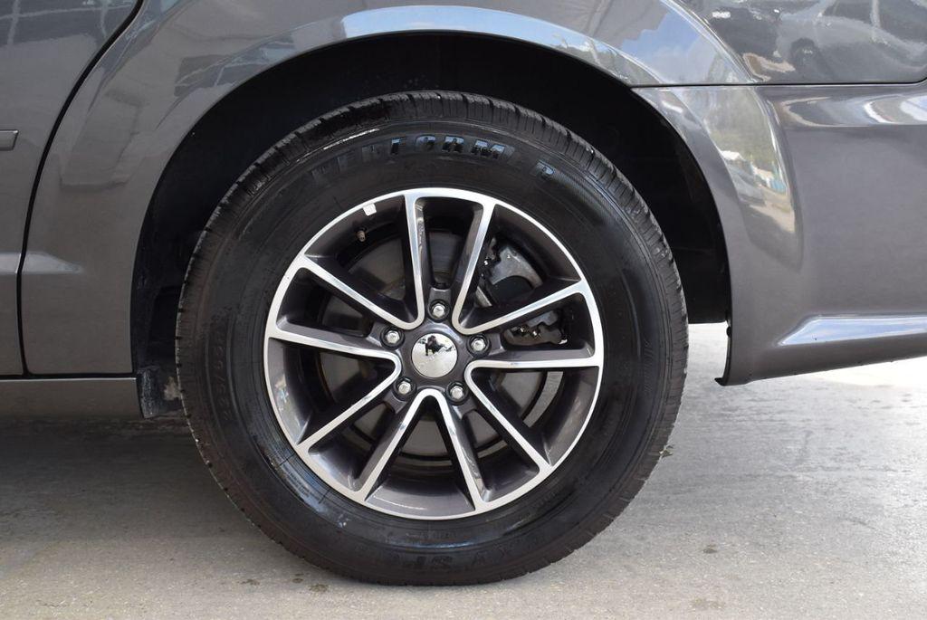 2017 Dodge Grand Caravan SXT Wagon - 18592303 - 7