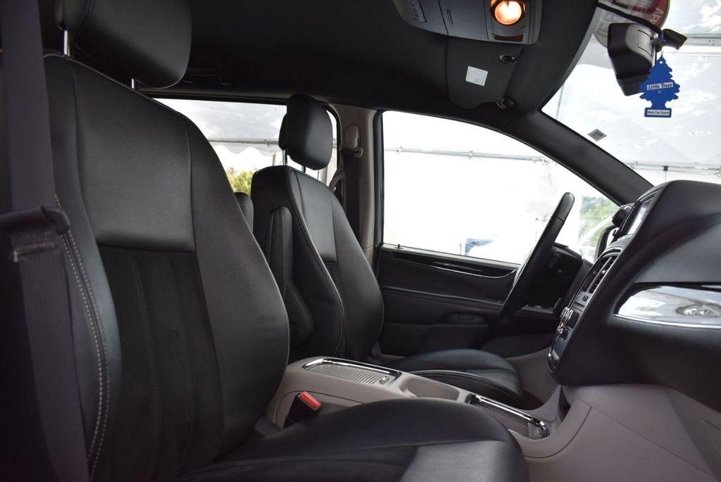 2017 Dodge Grand Caravan SXT Wagon - 18676009 - 16
