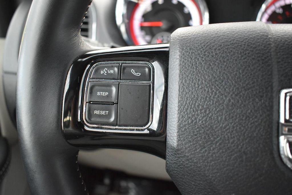 2017 Dodge Grand Caravan SXT Wagon - 18676009 - 21