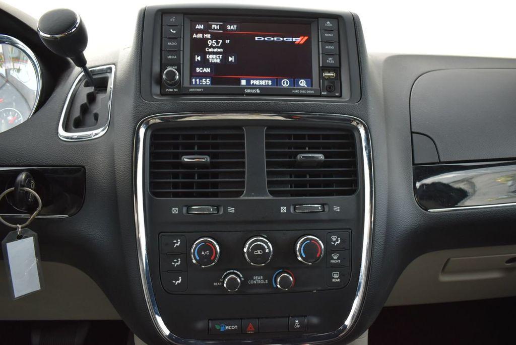 2017 Dodge Grand Caravan SXT Wagon - 18676009 - 22