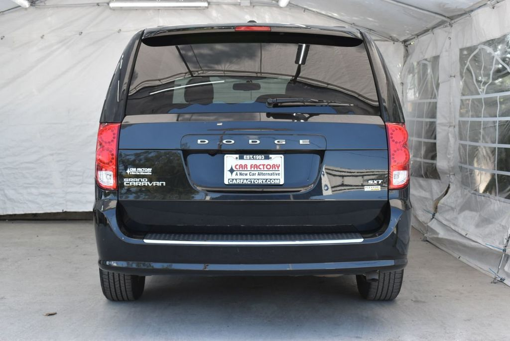 2017 Dodge Grand Caravan SXT Wagon - 18676009 - 5