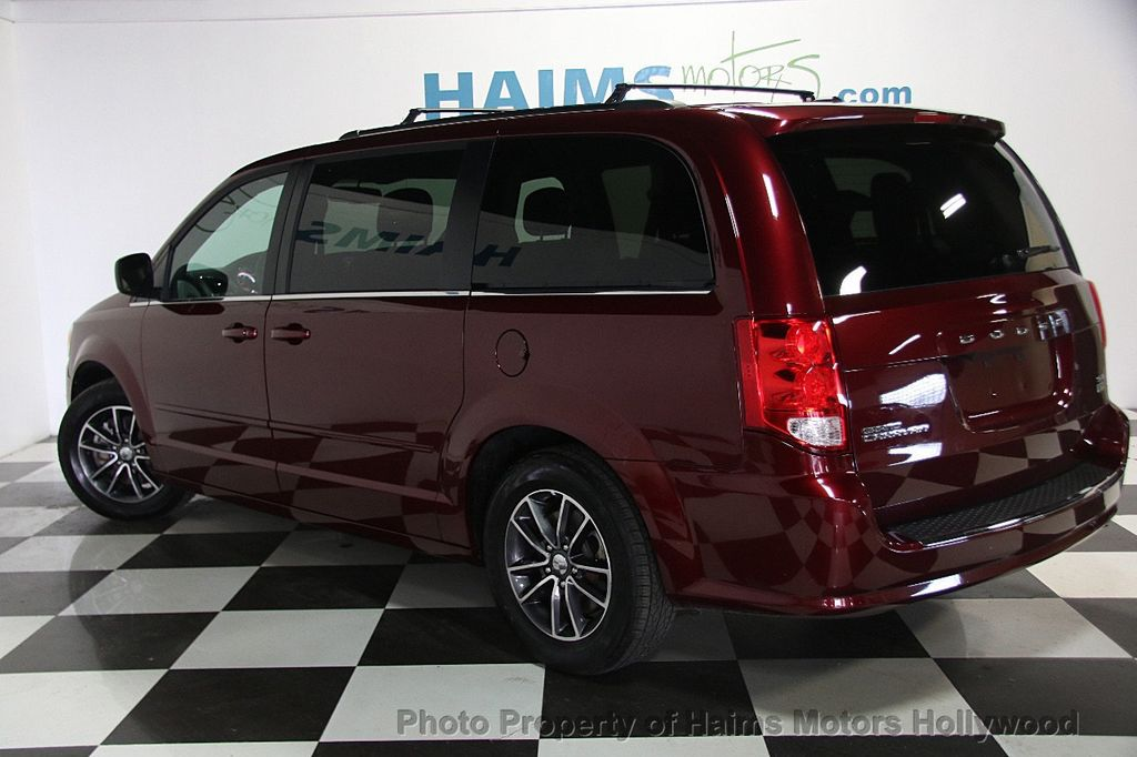 2017 Dodge Grand Caravan SXT Wagon - 16981514 - 4