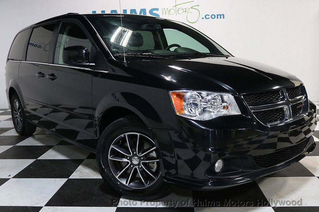 2017 Dodge Grand Caravan SXT Wagon - 17705865 - 3
