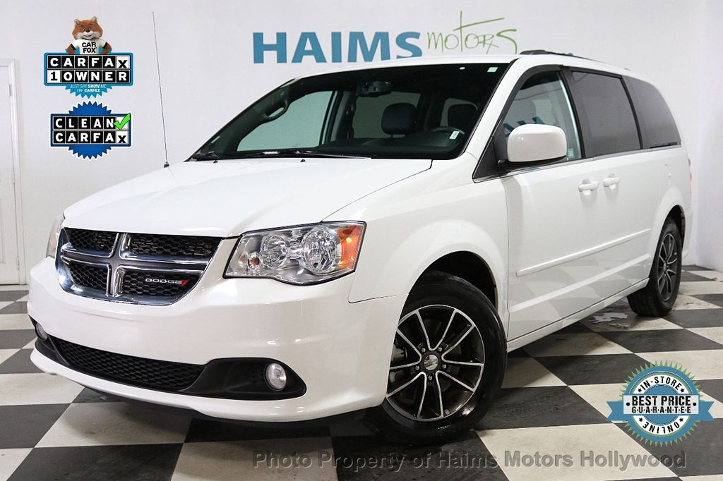 2017 Dodge Grand Caravan SXT Wagon - 18047666 - 0