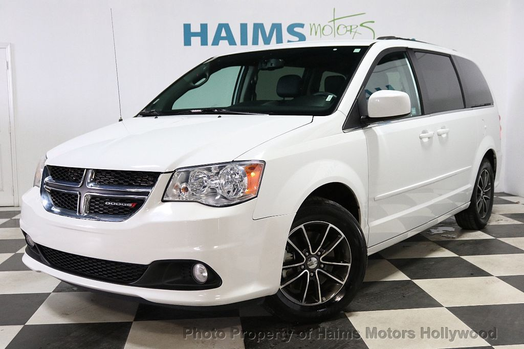 2017 Dodge Grand Caravan SXT Wagon - 18047666 - 1