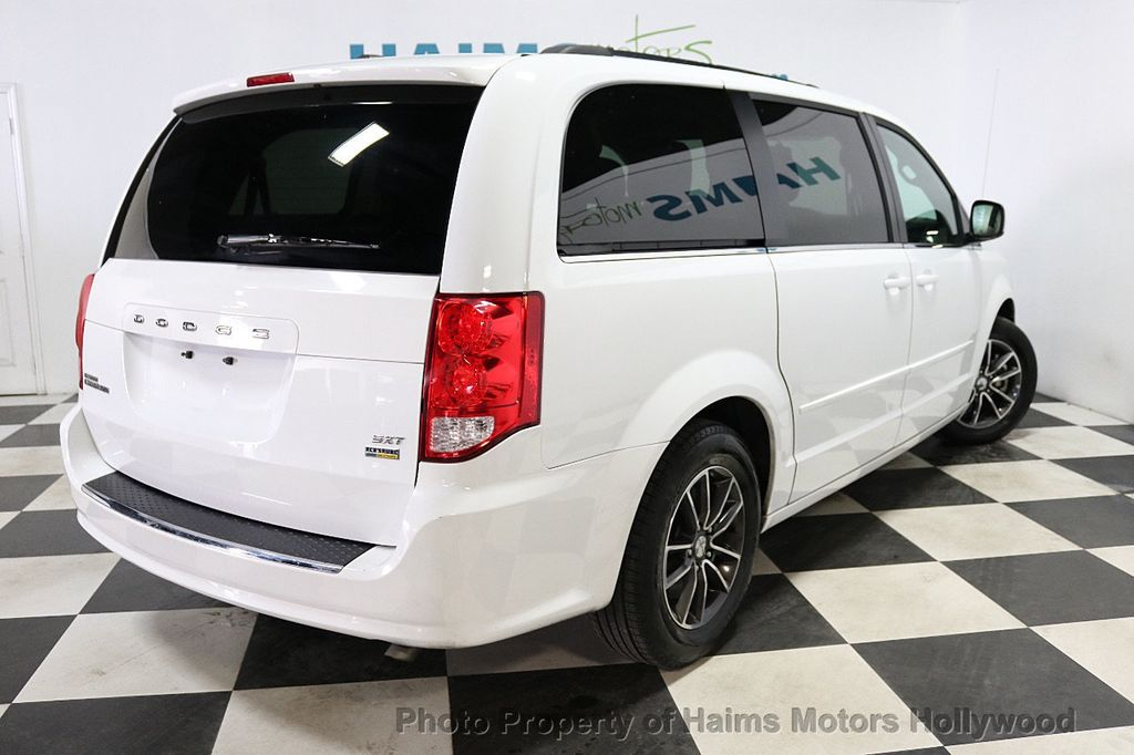 2017 Dodge Grand Caravan SXT Wagon - 18047666 - 6