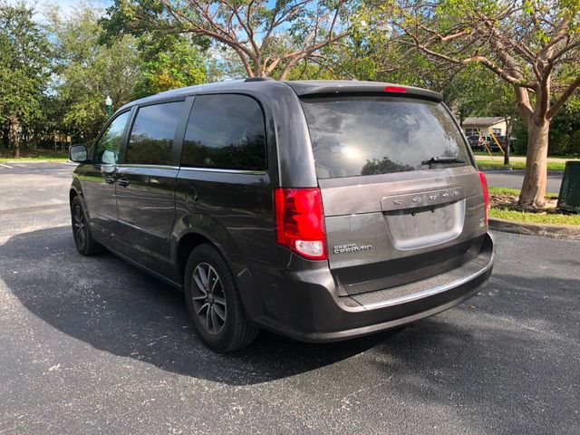 2017 Dodge Grand Caravan SXT Wagon - Click to see full-size photo viewer