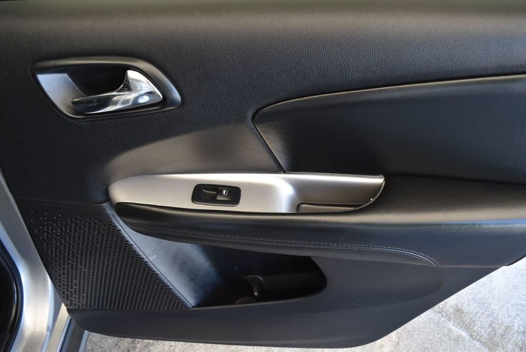 2017 Dodge Journey SXT FWD - 17971250 - 25