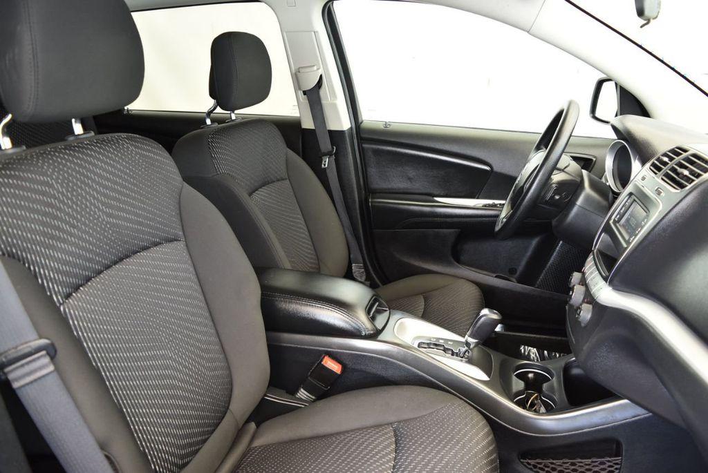 2017 Dodge Journey SXT FWD - 17971250 - 26