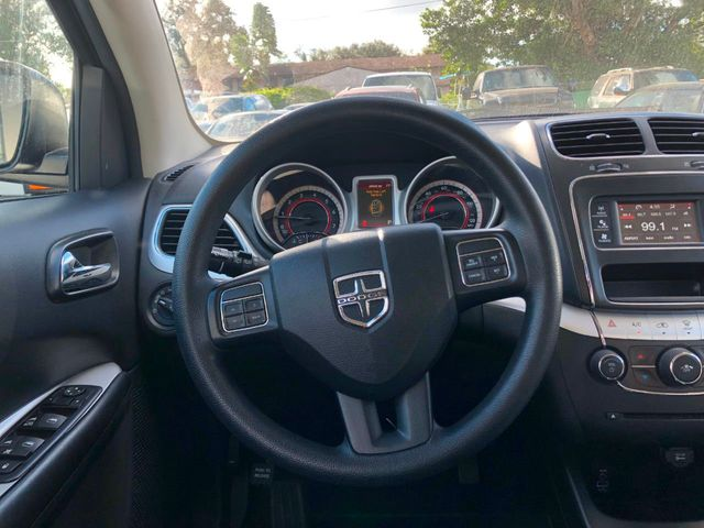 2017 Dodge Journey SXT FWD - Click to see full-size photo viewer