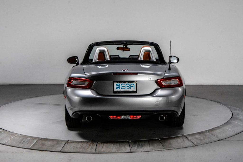 2017 FIAT 124 Spider Lusso Convertible - 18052700 - 4