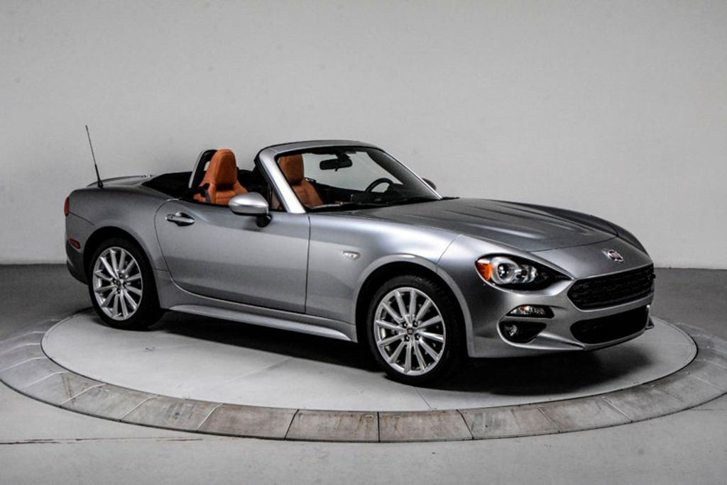 2017 FIAT 124 Spider Lusso Convertible - 18052700 - 7