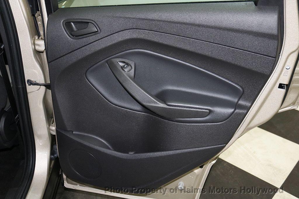 2017 Ford Escape FWD 4dr S - 18416353 - 10