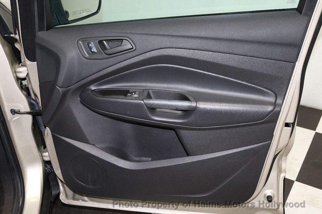 2017 Ford Escape FWD 4dr S - 18416353 - 11