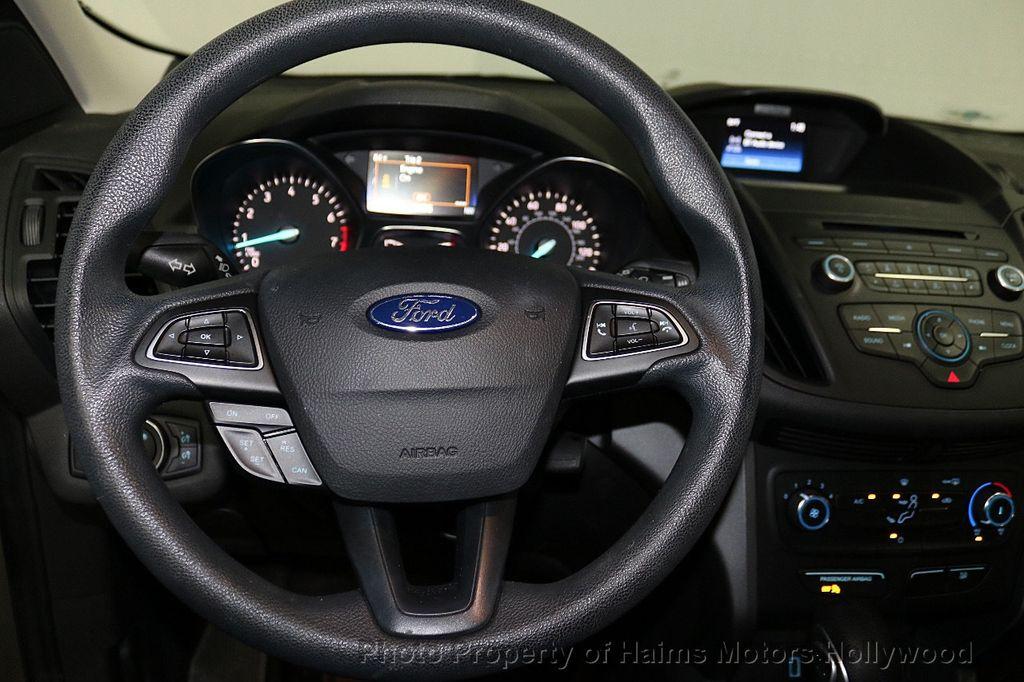 2017 Ford Escape FWD 4dr S - 18416353 - 24