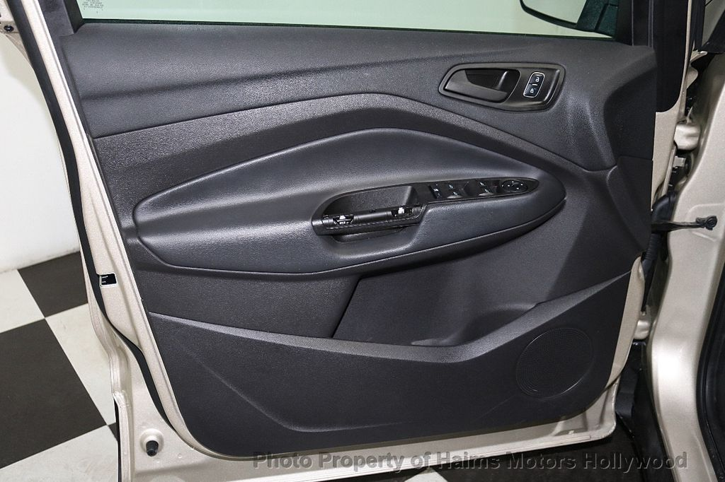 2017 Ford Escape FWD 4dr S - 18416353 - 8