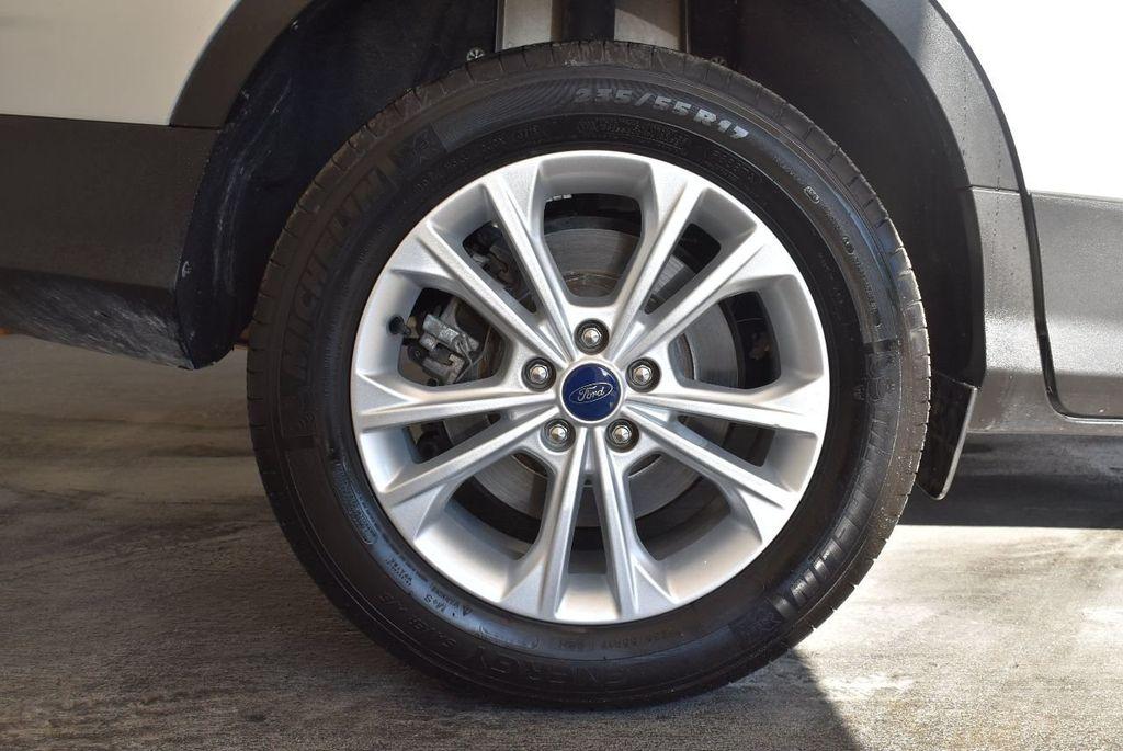 2017 Ford Escape SE FWD - 17524876 - 9